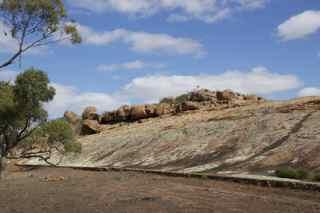 tachar rocks