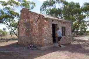 tchar hut